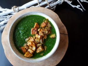 Brocolli spinazie soep met tempeh