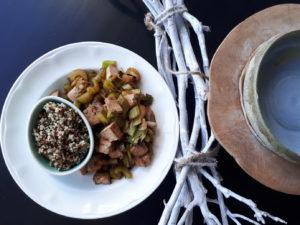 Quinoa met tofu en prei